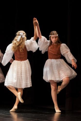 DKOS godisnja produkcija baletnog studija 2015 064