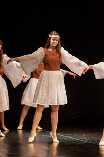 DKOS godisnja produkcija baletnog studija 2015 074