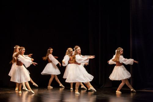 DKOS godisnja produkcija baletnog studija 2015 083