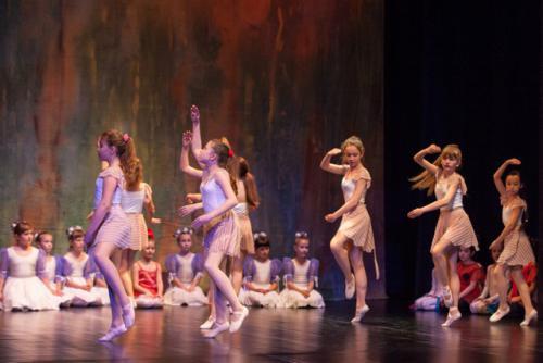 DKOS godisnja produkcija baletnog studija 2015 120