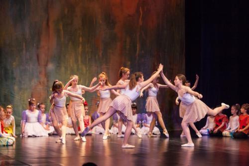 DKOS godisnja produkcija baletnog studija 2015 122
