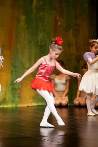 DKOS godisnja produkcija baletnog studija 2015 145