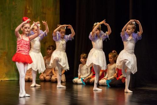DKOS godisnja produkcija baletnog studija 2015 149