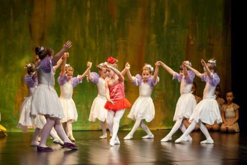 DKOS godisnja produkcija baletnog studija 2015 153