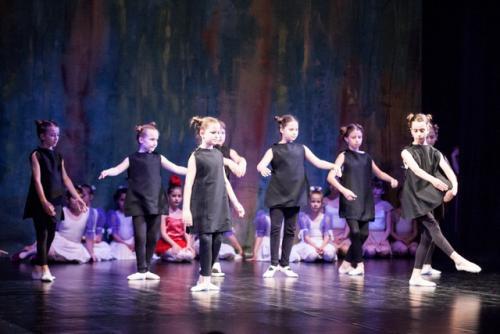 DKOS godisnja produkcija baletnog studija 2015 186
