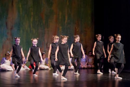 DKOS godisnja produkcija baletnog studija 2015 192