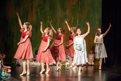 DKOS godisnja produkcija baletnog studija 2015 197