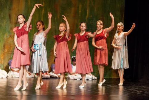 DKOS godisnja produkcija baletnog studija 2015 213